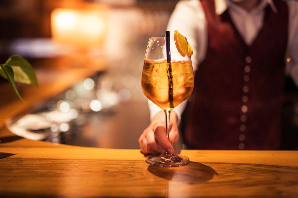 Cocktails an der Hotelbar